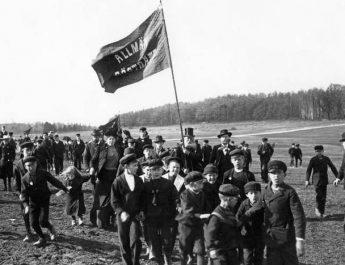 """""""Den svenska demokratin föddes i feghet"""""""