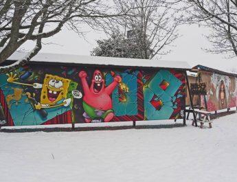 Om kommersiellt klotter och öppna graffitiväggar