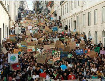 Miljoner skolungdomar och studenter demonstrerade för klimatet runt om i världen