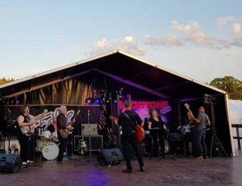 Gedigen och uppskattad musik- och danskväll på Vilsta Marknad